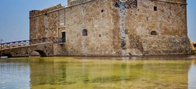 Обзор пафосского замка