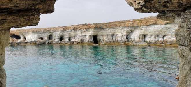 Пещера кракена на Кипр в Айя-Напе