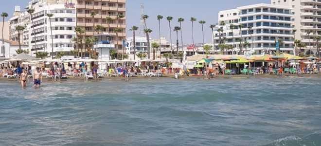 Описание пляжа Финикудес в Ларнаке (Кипр)