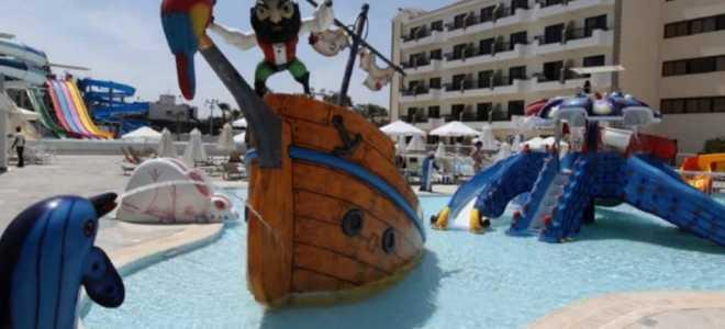 Описание лучших отелей Кипра с аквапарком