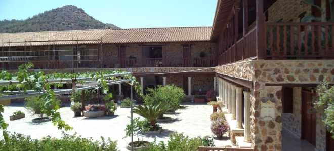 Готовимся к поездке в монастырь святой Феклы на Кипре