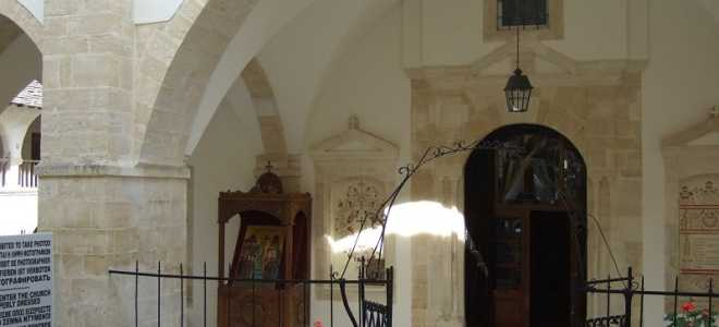 Монастырь Святого Креста на Кипре