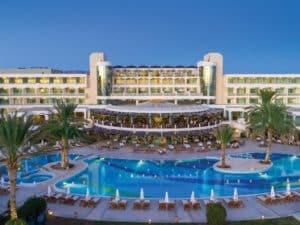 Constantinou Bros Athena Beach Hotel 4