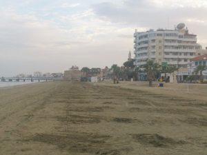 Пустые пляжи