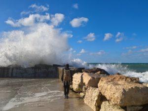 Погода в декабре никак не располагает к пляжному отдыху