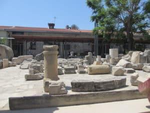 Фрагменты колонн