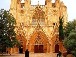 Собор был возведен в четырнадцатом столетии