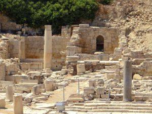 Руины древнего города Аматус