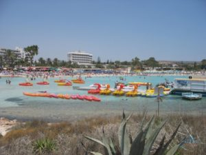 Водные развлечения на пляже