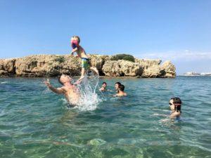 С детьми лучше отправиться отдыхать в июне или сентябре