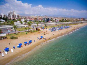 Самый длинный песочный пляж на Кипре