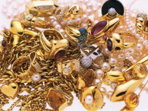 Ограничен перечень ювелирных изделий и предметов, содержащих драгоценные металлы и камни